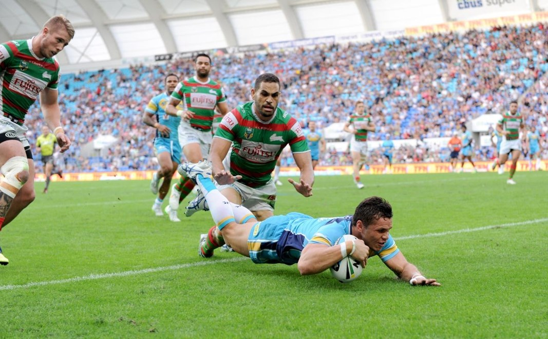 James Roberts scores a try : Digital Image Scott Davis NRLphotos: NRL Round 12 Gold Coast Titans V South Sydney Rabbitohs at Cbus Super Stadium, Gold Coast, Saturday 30th May 2015