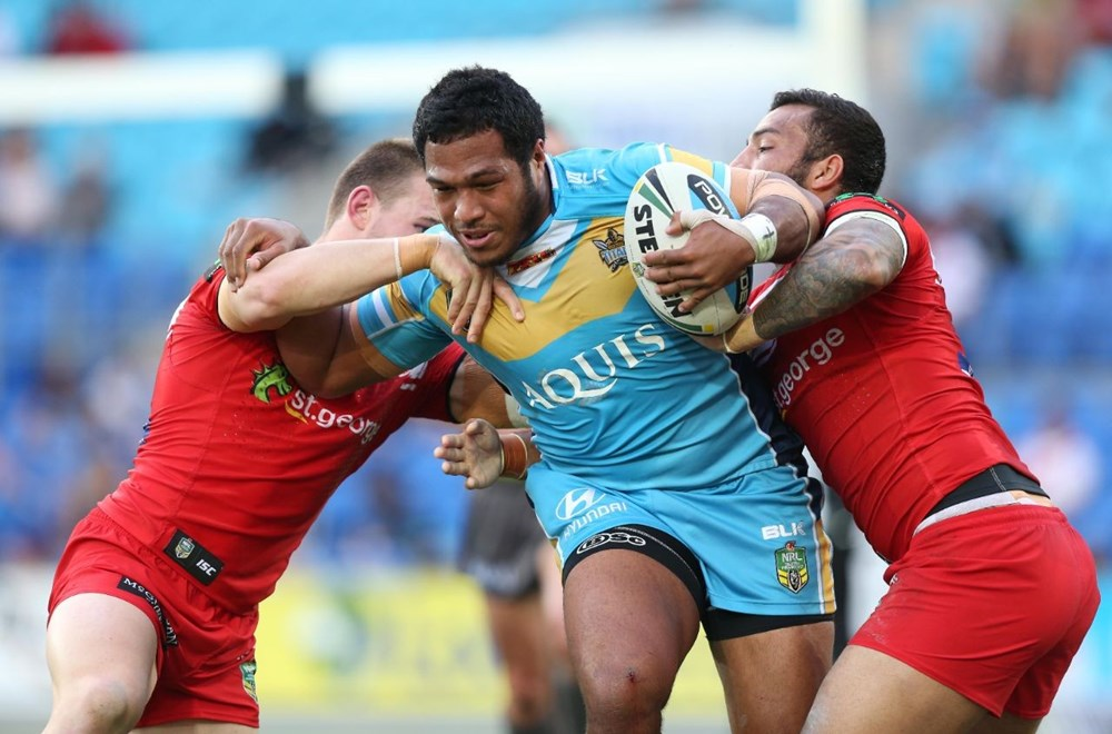 Agnatius Paasi : Digital Image by Charles Knight copyright NRLphotos. NRL Rugby League, Gold Coast Titans v St. George Dragons, Cbus Super Stadium, Sunday 30th August, 2015.
