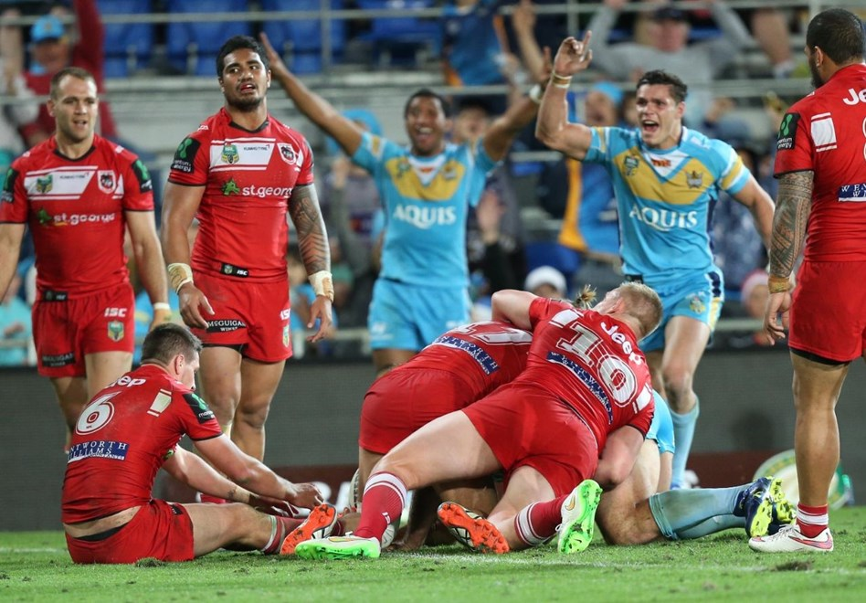 Dave Taylor try wins the game for the Titans : Digital Image by Charles Knight copyright NRLphotos. NRL Rugby League, Gold Coast Titans v St. George Dragons, Cbus Super Stadium, Sunday 30th August, 2015.