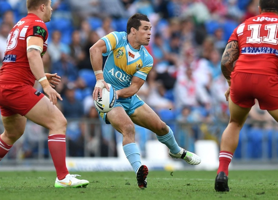 Daniel Mortimer : Digital Image Scott Davis NRLphotos: NRL Round 25 Gold Coast Titans V St. George Illawarra Dragons at Cbus Super Stadium, Gold Coast, Sunday 30th August 2015