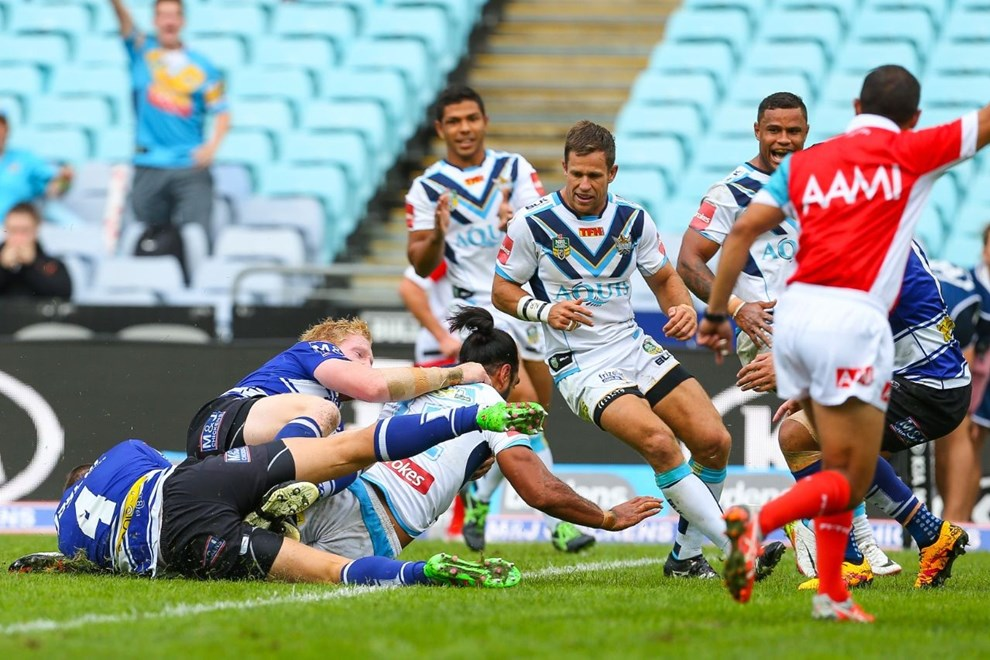 Competition - NRL Premiership Round - Round 08 Teams - Canterbury Bulldogs v Gold Coast Titans - 23rd of April 2016 Venue - ANZ Stadium, Homebush, NSW, Photographer - Paul Barkley